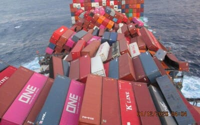 3 dec 2020 M/s ONE APUS LOST or DAMAGED COULD EXCEED 1900 CONTAINERS